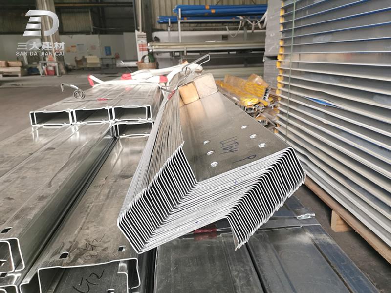 钢结构配件-Z型檩条